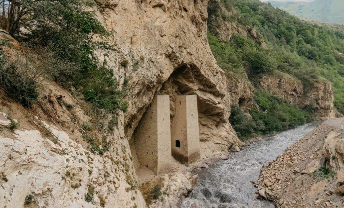 Ушкалойские башни-блинзнецы